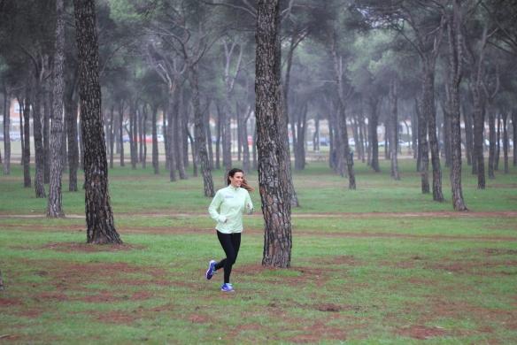 Foto Paula corriendo por pinares de Madrid